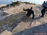 to si tak člověk při focení stoupne na betonový okraj... a najednou  je o metr a půl níž...