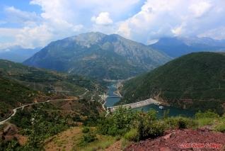 Albánie, SH22, přehrada Fierze